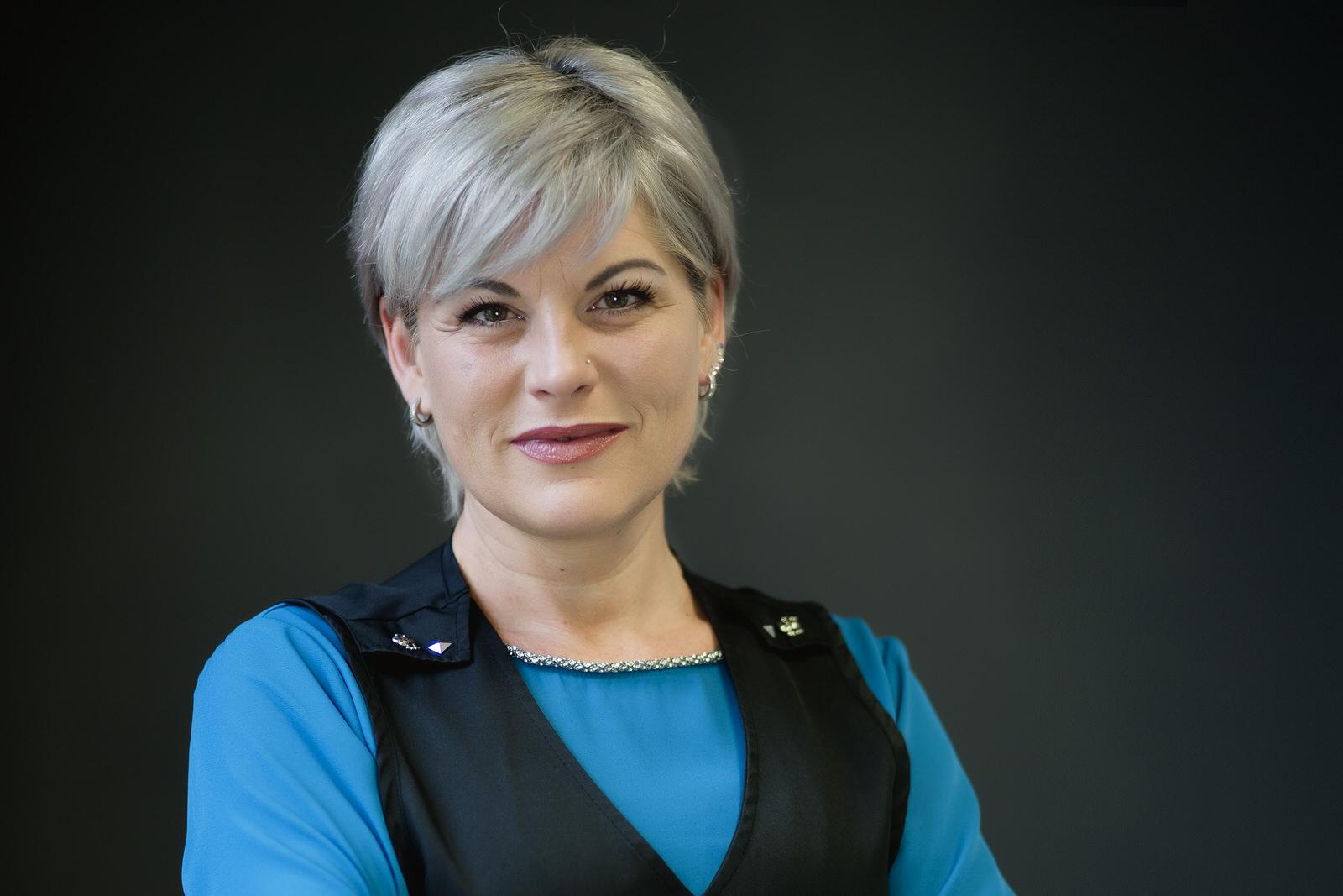 Angelika Baur